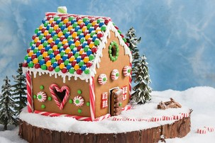 Gingerbread House 'Make Off'